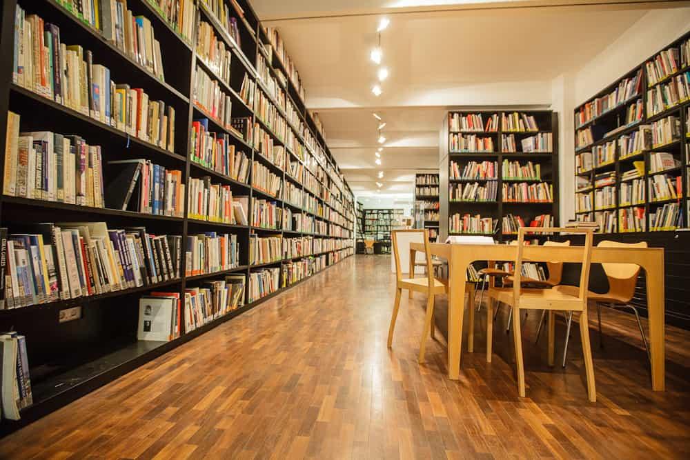 DAM Bibliothek \ Foto: Fritz Philipp