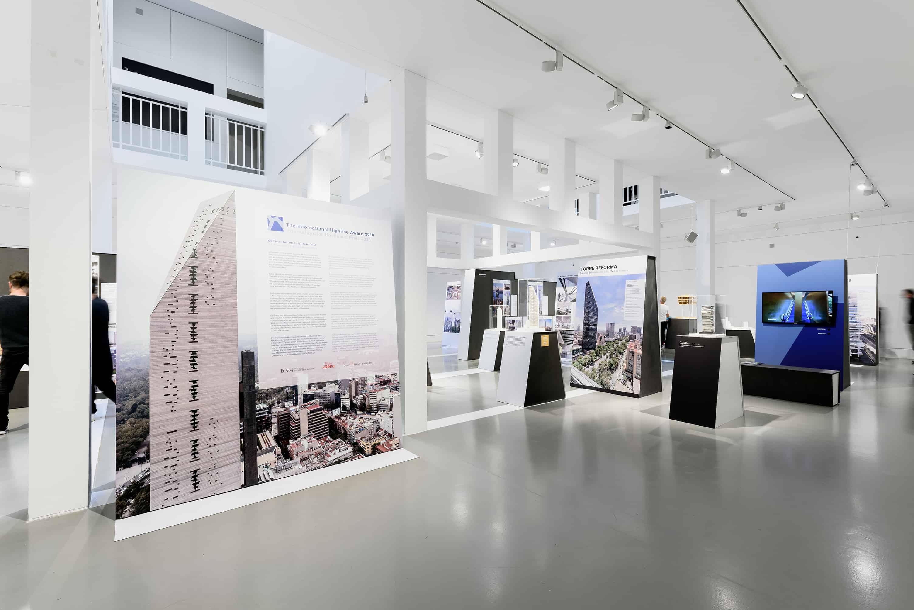 Eindrücke aus der Ausstellung Best Highrises 2018\19 \ Foto: Moritz Bernoully