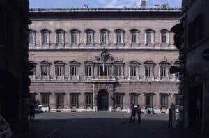Palazzo Farnese, Blick auf Hauptfassade, Foto Quast 20